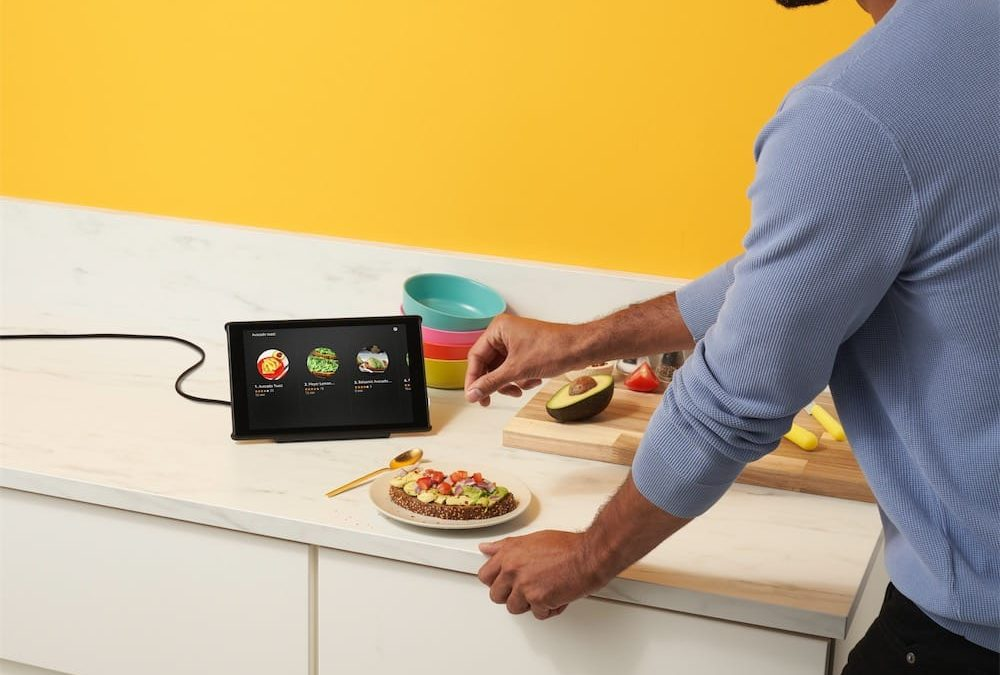 Amazon transforme ses tablettes Fire HD  en Echo tactiles